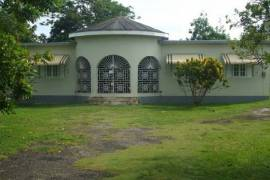 2 Sided 3 Bedroom + 2 Bedroom House For Sale